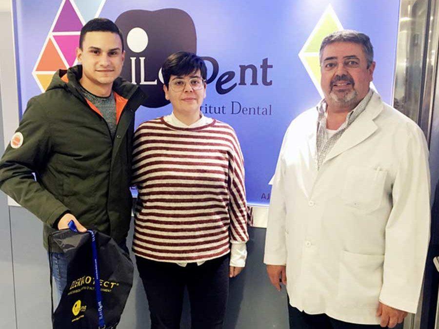 El Balàfia Vòlei Lleida i Ilerdent signen conveni per equipar els seus jugadors amb l'ILERPROTECT®